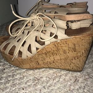 Sandal wedges size 9.5